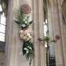 Décoration florale pilier